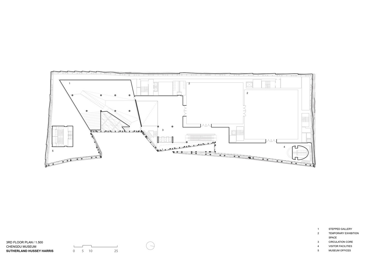 成都金镶玉博物馆 项目信息 设计 :Sutherland Hussey Harris 位置 :中国四川 成都 类型 :公共建筑 博物馆 材料 :铜合金 分类 :建筑资讯 成都博物馆新馆坐落在广场西侧,在建筑体量与天府广场相契合前提下,最大限度的展现它别具一格的外立面设计。同时利用博物馆简约的直线型结构,建筑将广场空间进行限定,建立一个庄严肃穆的围合关系。建筑还通过一个自博物馆内延伸到外部公共门厅通廊和天府广场建立了巧妙地联系。 新馆标志性的入口形成了气势恢宏的室外公共空间,为市民打造可以开展集会与各种文